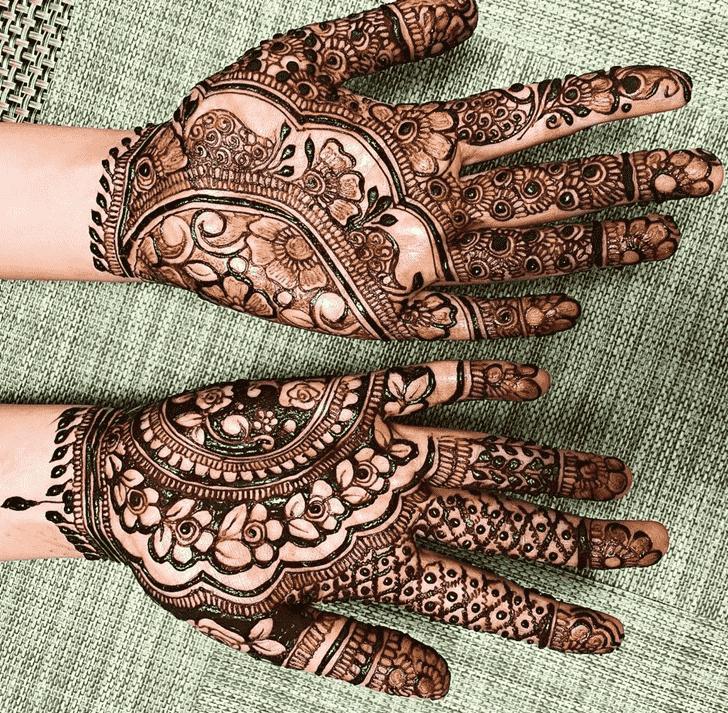 Inviting Vadodara Henna Design