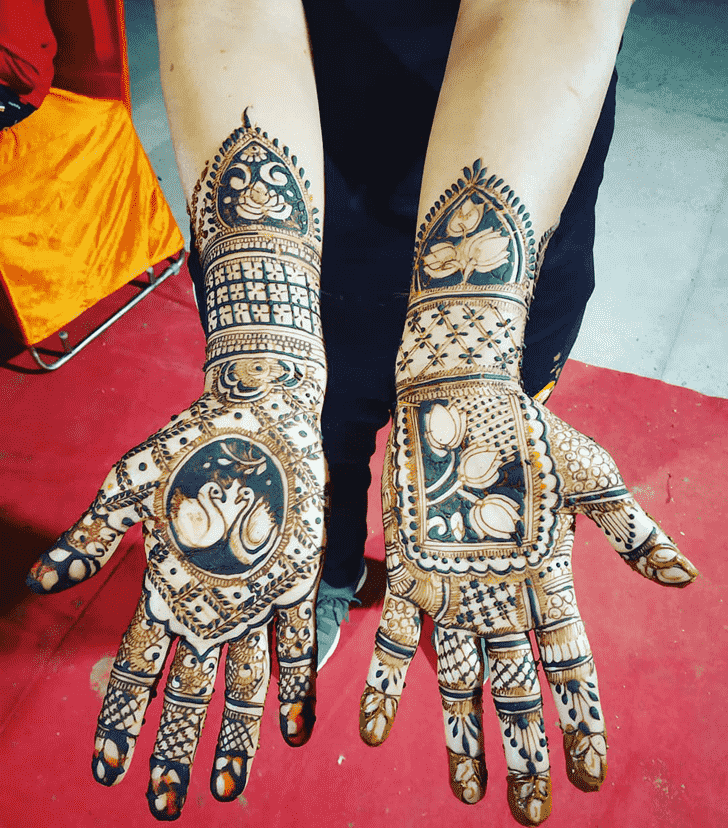 Nice Vadodara Henna Design