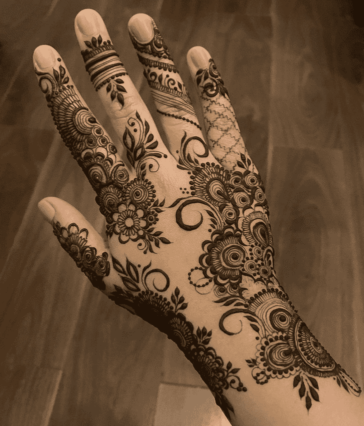 Appealing Valentines Day Henna Design