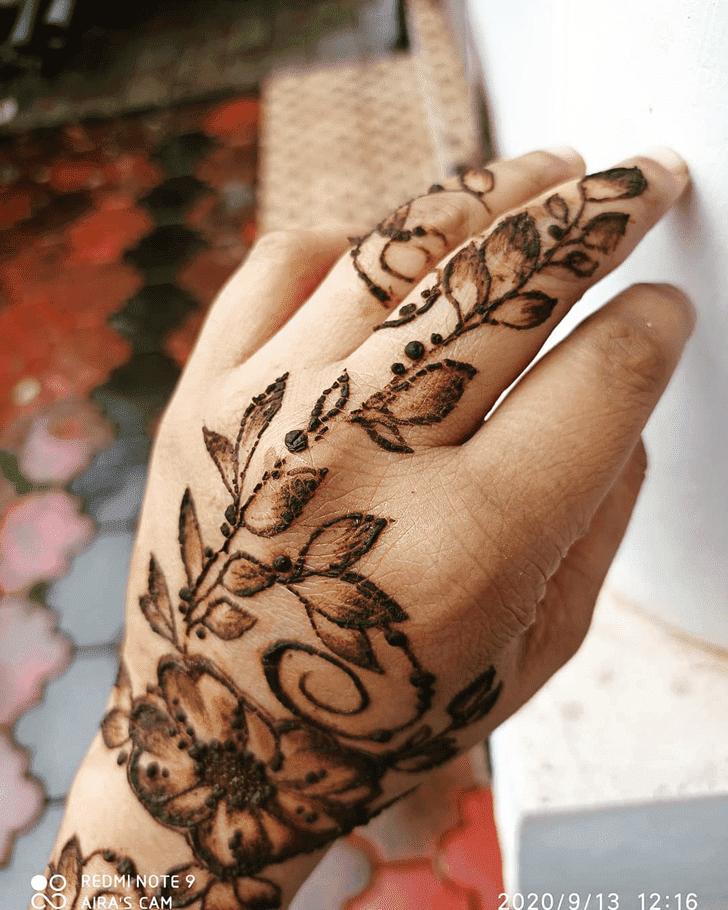 Angelic Vat Purnima Henna Design