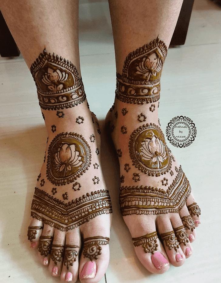 Bewitching Vat Purnima Henna Design