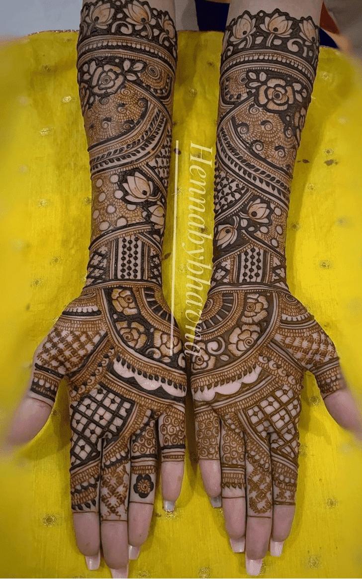Charming Vat Purnima Henna Design