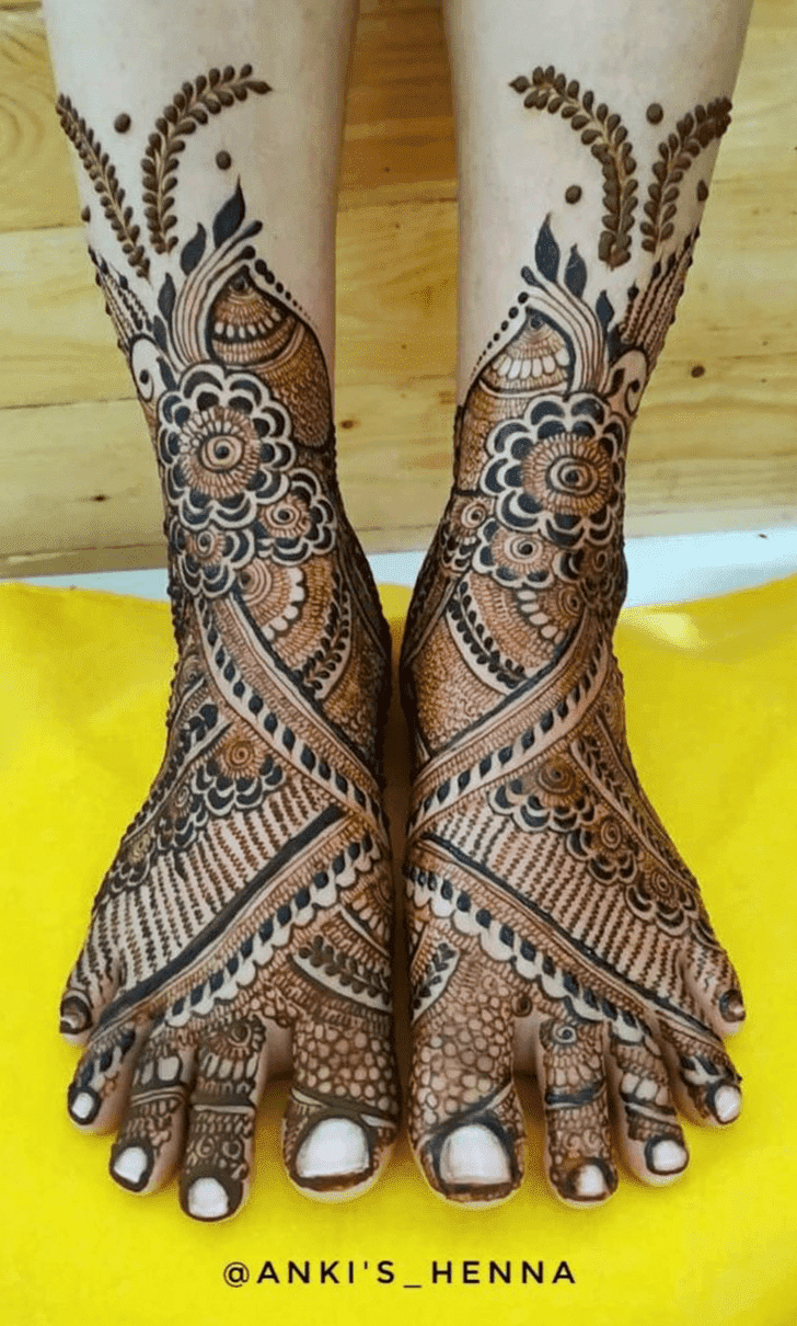 Ideal Vat Purnima Henna Design