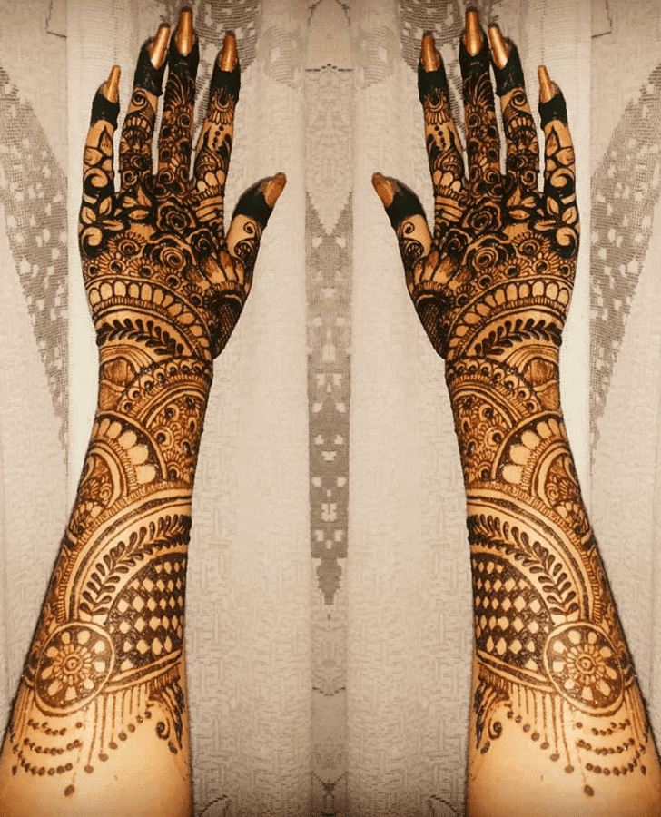 Magnificent Vat Purnima Henna Design