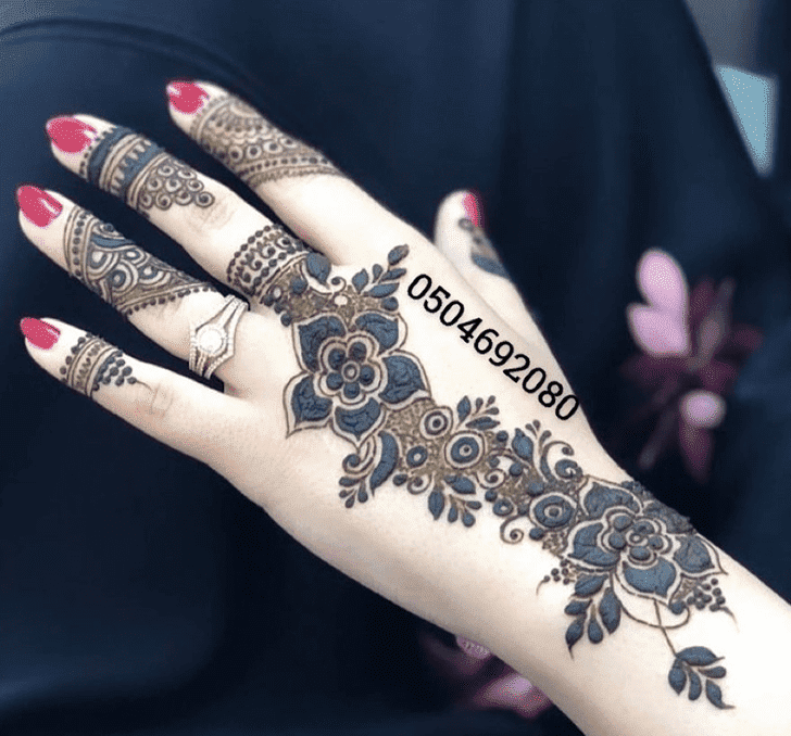 Marvelous Vat Purnima Henna Design