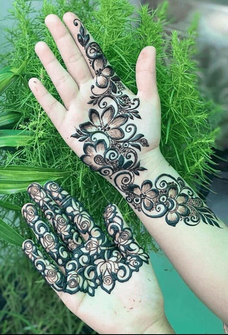 Nice Vat Purnima Henna Design