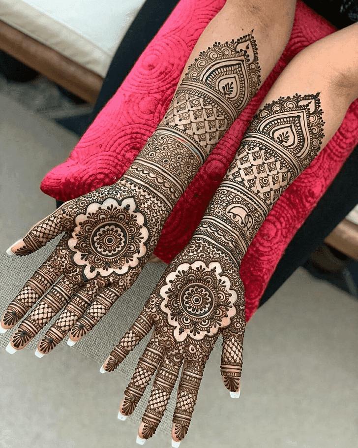 Resplendent Vat Purnima Henna Design