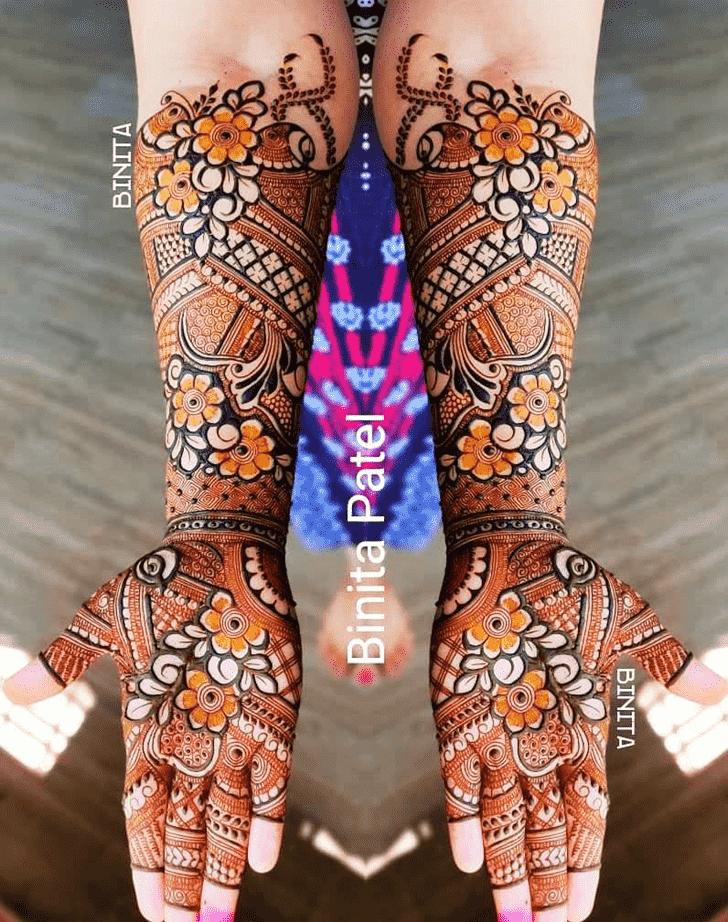 Adorable Vienna Henna Design