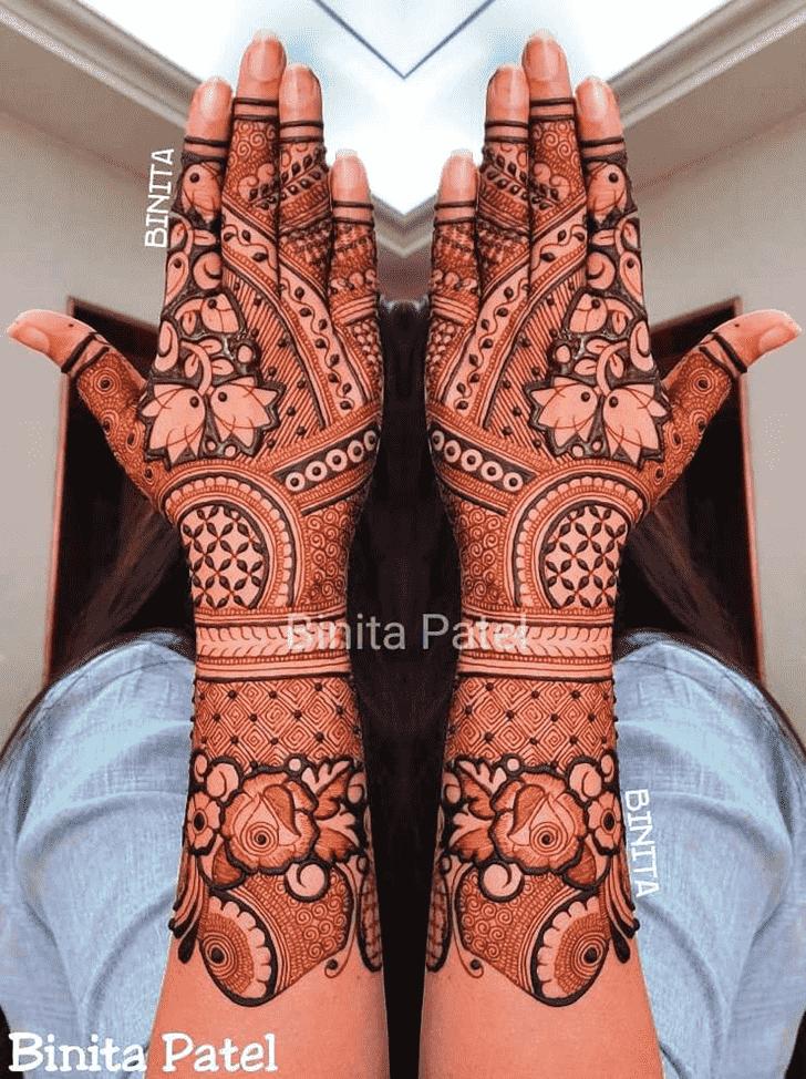 Alluring Vienna Henna Design