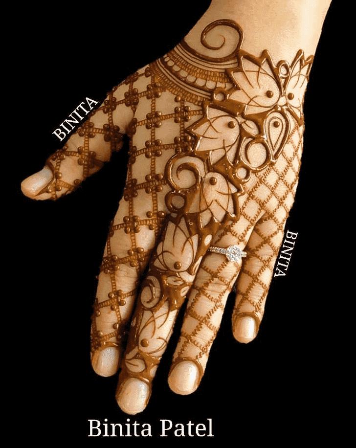 Appealing Vienna Henna Design