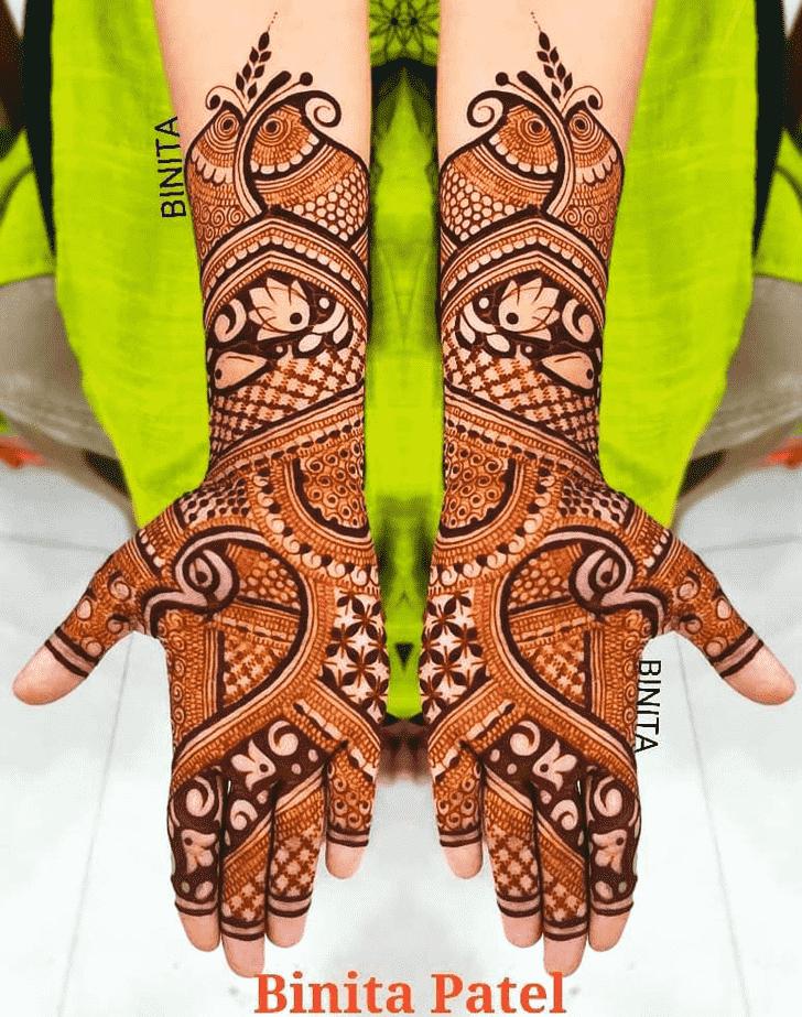 Captivating Vienna Henna Design
