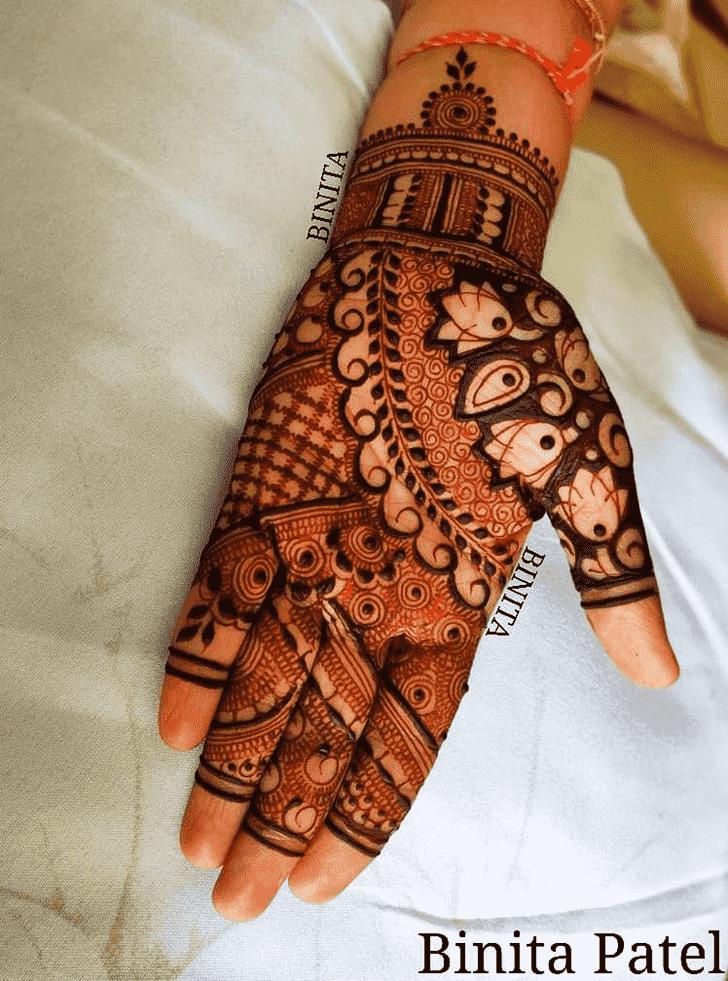 Classy Vienna Henna Design
