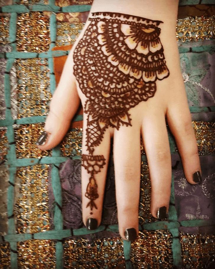 Angelic Western Henna Design