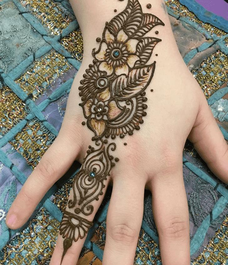 Appealing Western Henna Design