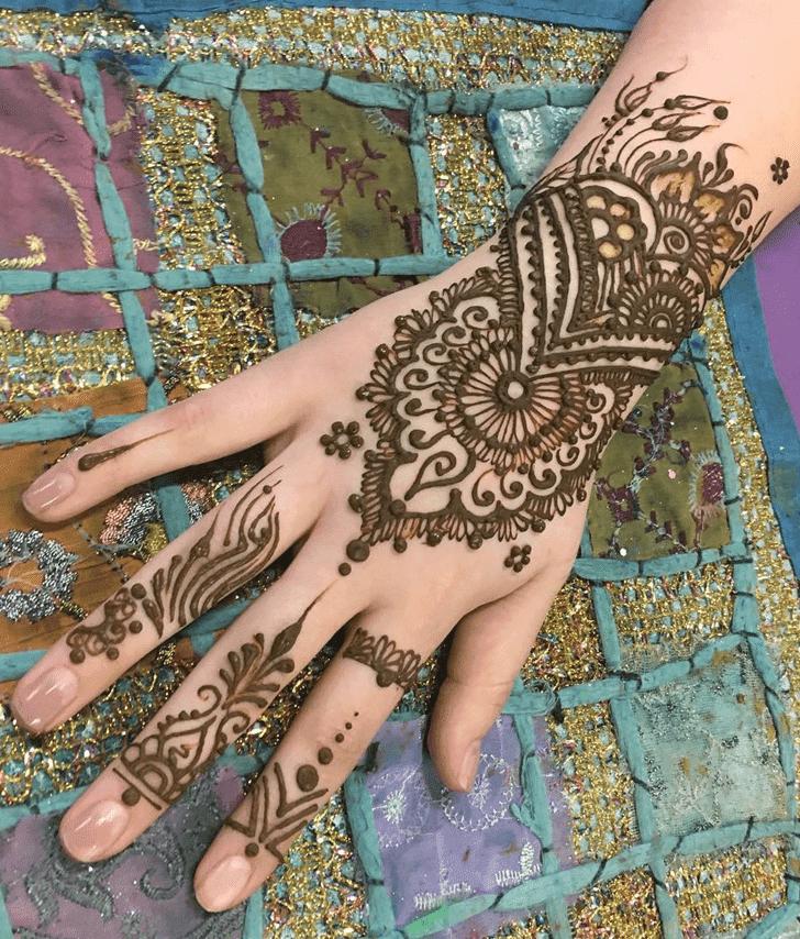 Comely Western Henna Design