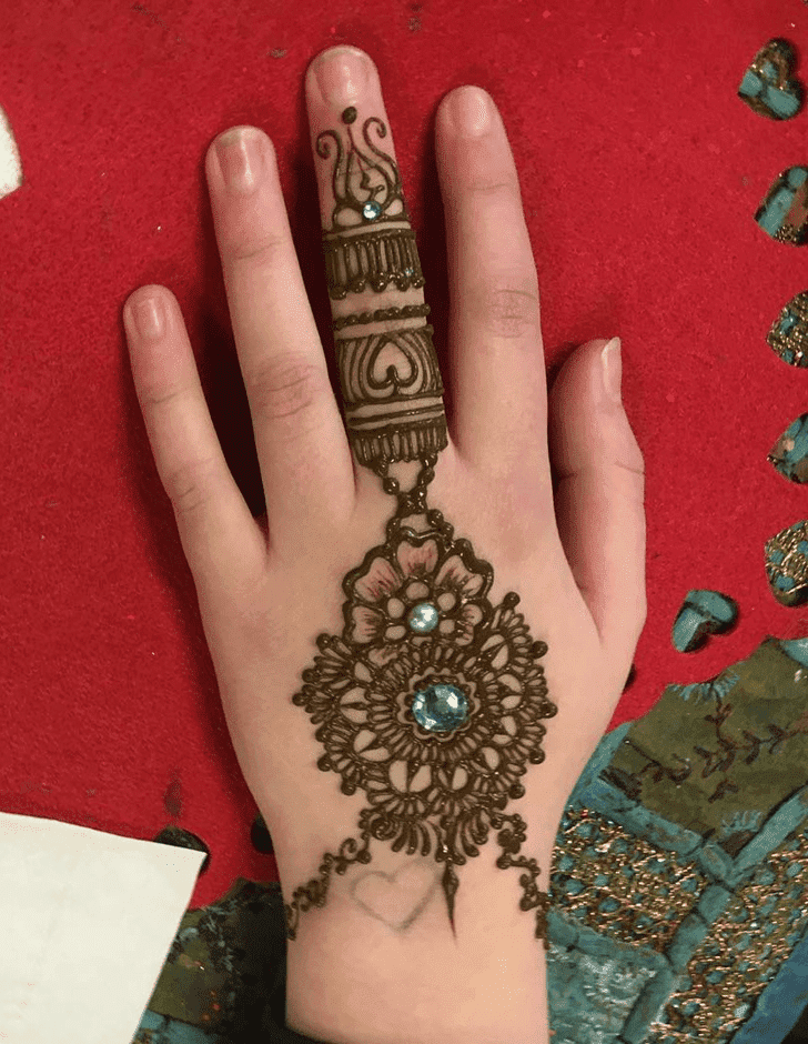Lovely Western Mehndi Design
