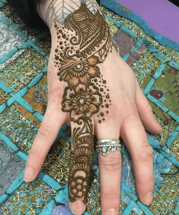 Magnetic Western Henna Design