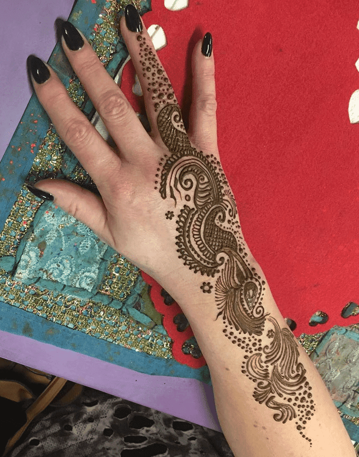 Marvelous Western Henna Design