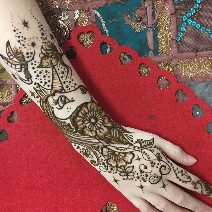 Pleasing Western Henna Design