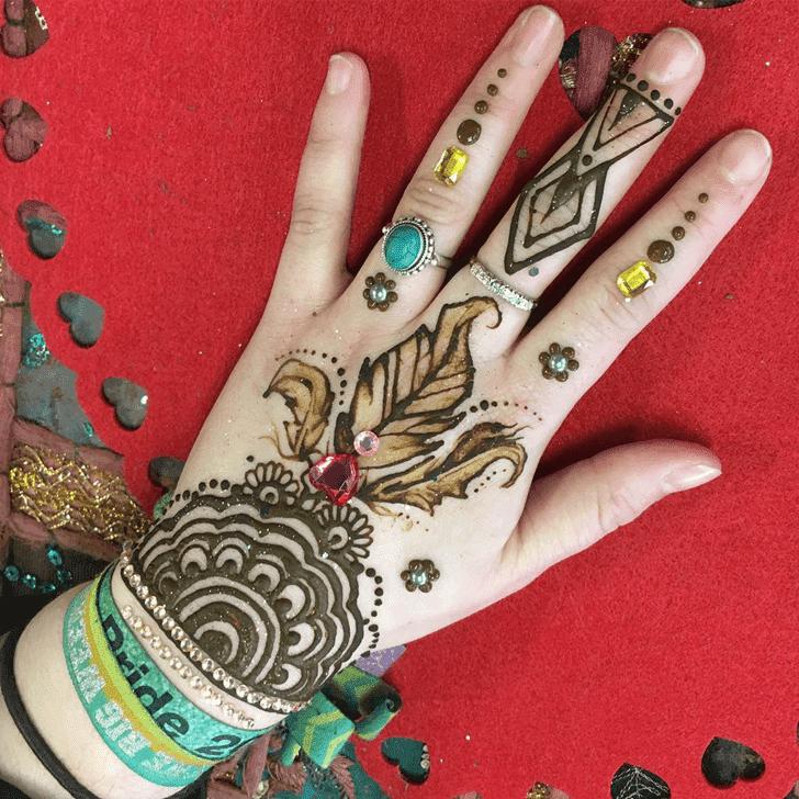Refined Western Henna Design