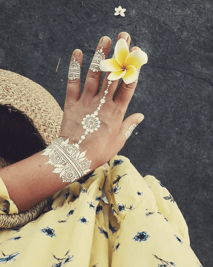 Stunning White Mehndi