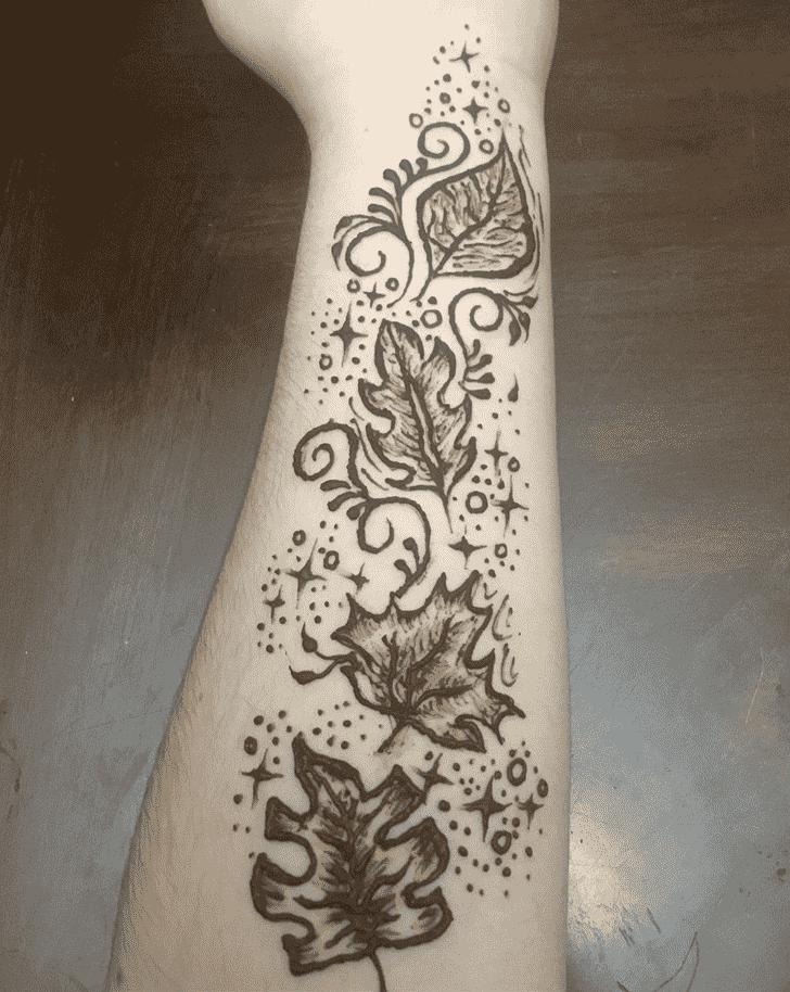 Admirable Wrist Mehndi design