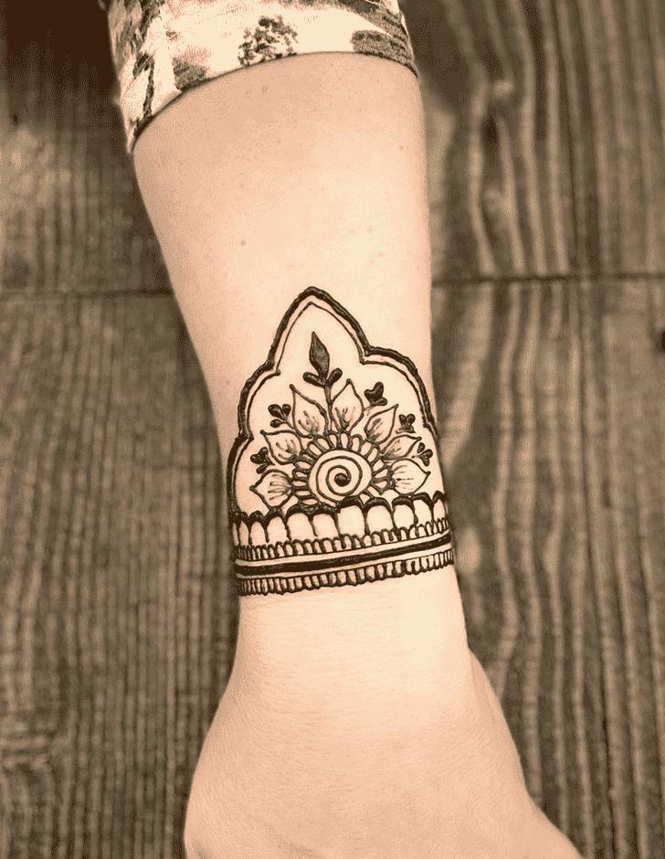 Appealing Wrist Henna design