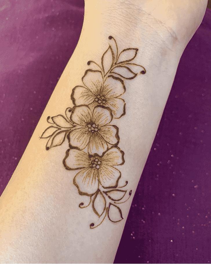 Beauteous Wrist Henna design