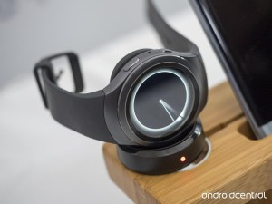 samsung-gear-s-2-charger-time-hero_0