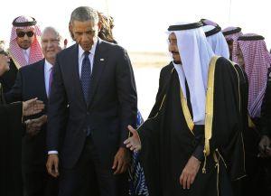 Il presidente americano Barak Obama insieme al nuovo monarca saudita Salman bin Abdel-Aziz