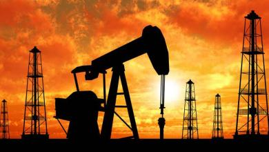 Photo of هبوط في أسعار النفط بسبب المخزون الأميركي