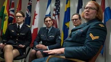 Photo of الإدارة الأمريكية تطلب من المحكمة العليا إقرار منع المتحولين جنسيًا من الخدمة في الجيش