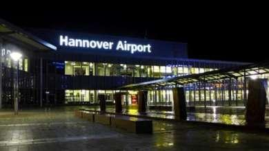 Photo of إغلاق مطار هانوفر الألماني وتوقف العمل به نتيجة اقتحامه بسيارة