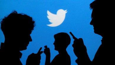 """Photo of خلل مفاجئ في """" تويتر """" يتسبب في تحويل التغريدات الخاصة الى عامة"""