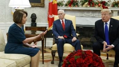"""Photo of """"بيلوسي"""" تدعو """" ترامب """" لإلقاء خطابه السنوي أمام الكونجرس الأميركي نهاية يناير"""