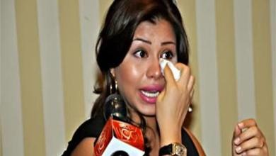 Photo of شيرين تنهار باكية بعد وقفها عن الغناء .. وتستنجد بالرئيس المصري