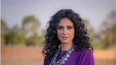"""Photo of حنان مطاوع تواصل """"لمس أكتاف"""""""