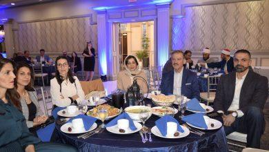 "Photo of أبناء الجالية العربية والمسلمة على مائدة إفطار عضو الكونجرس ""ديبي دنغل"""