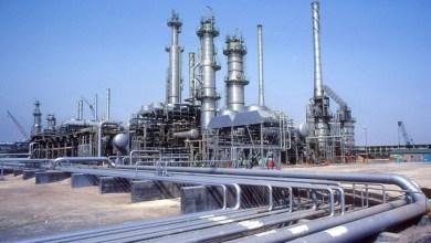 Photo of ارتفاع أسعار النفط بنحو 1% بعد الهجوم على محطتي أنابيب بالسعودية