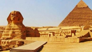 Photo of إحالة مصري تسلق قمة هرم خوفو للنيابة