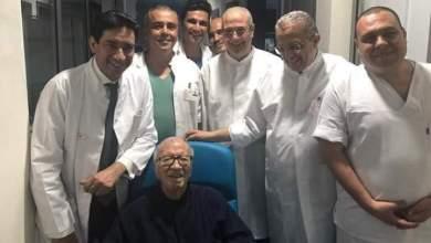 Photo of الرئيس التونسي يغادر المستشفى ويضع حدًا لإشاعات وفاته