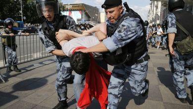 Photo of اعتقال أكثر من ألف شخص أثناء مظاهرات للمعارضة في موسكو