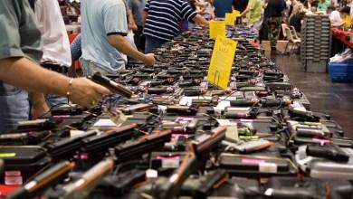 """Photo of هل يوقف مشروع """"العلم الأحمر"""" جنون السلاح في أمريكا؟"""