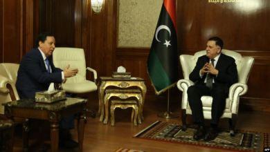 Photo of هل تمارس طرابلس ضغوطًا على تونس لتسليم الطيار الليبي؟