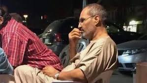 Photo of حقيقة ظهور مؤسس شركة أبل في مقهى بالقاهرة