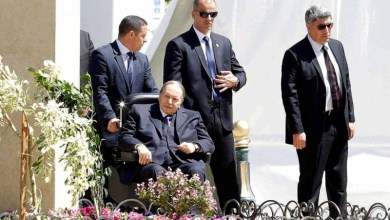 Photo of سجن وزير العدل الجزائري السابق يصعد المطالب بمحاكمة بوتفليقة