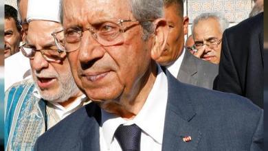 Photo of الرئيس التونسي المؤقت يمدد حالة الطوارئ لمدة شهر