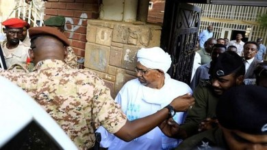 Photo of السودان يبدأ مرحلته الجديدة بمحاكمة علنية للبشير