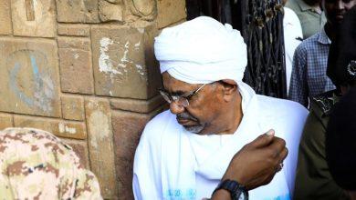 Photo of مدير مكتب البشير يكشف سر أمواله