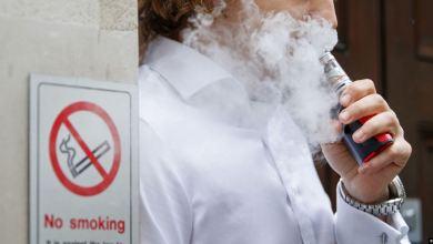 Photo of وفاة الضحية السابعة للسجائر الإلكترونية في أمريكا